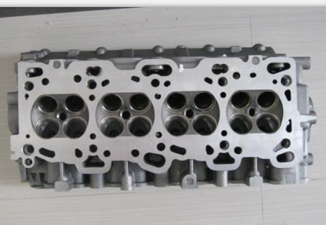 直列四缸发动机缸盖